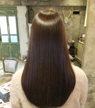 ツヤ髪マイスター榊原おすすめ!傷まないカラーで繰り返し染めるとツヤ、色もちが良くなる☆弱酸性カラー☆