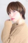 若く見える髪型と髪色 うる艶ハイライトカラー×マッシュショー