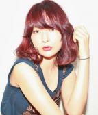 若く見える髪色 大人の色っぽラズベリーピンク