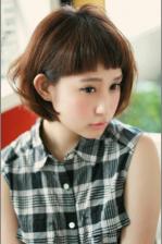 若く見える髪型 大人可愛い眉上パッツンバングボブ☆