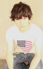 若く見える髪型 メンズの黒髪×アンニュイパーマ