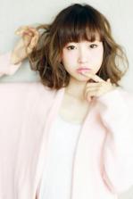 若く見える髪型 紗栄子風甘かわミディ
