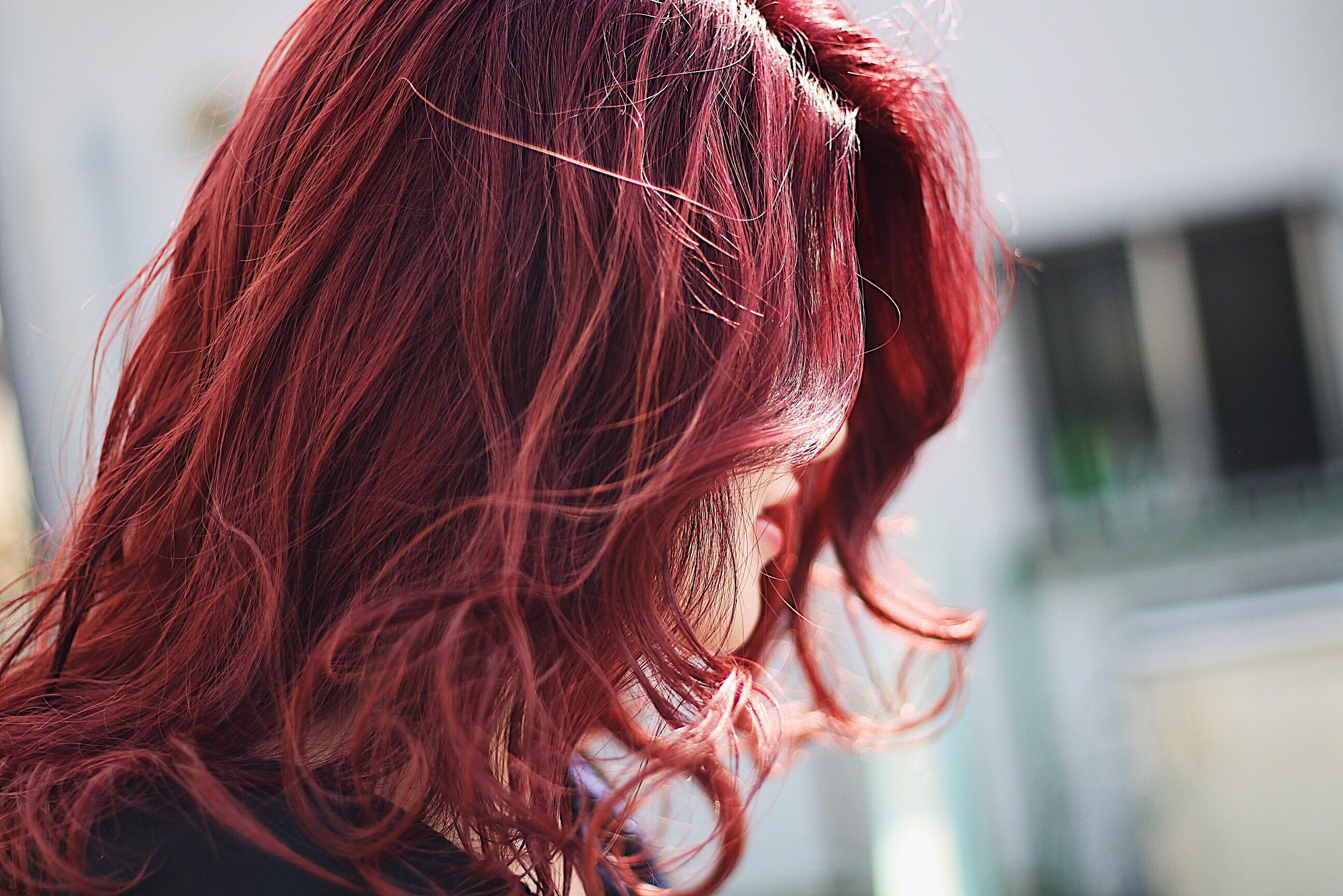 【2018秋冬 大注目!!】 のトレンドカラー 「赤」 を使ったトレンドヘアカラーをご紹介します!