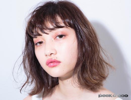 肩下のボブ 横振り PEEK-A-BOO 岩崎桃子