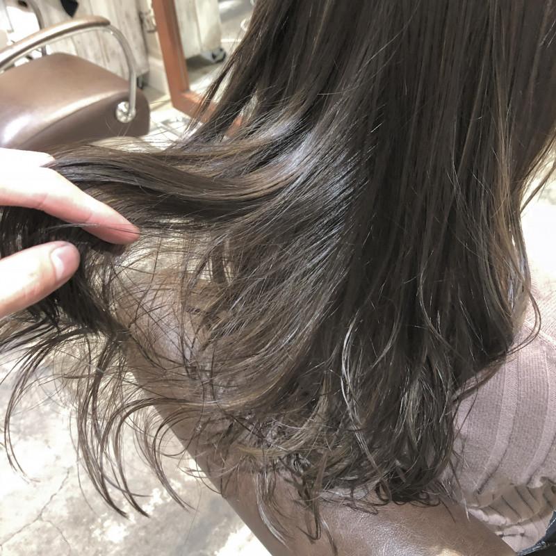 アッシュ 髪色