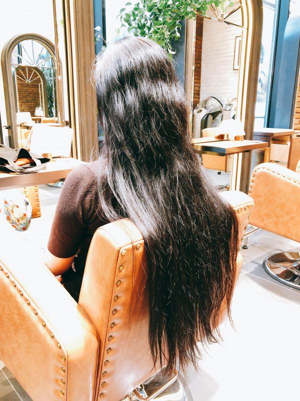 髪の毛をバッサリ切るなら、ヘアドネーションという選択を