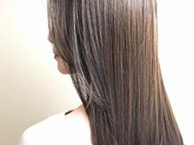 芯から輝く素髪で印象年齢を若く。髪を本気で考えたトリートメントで内部まで潤う◎
