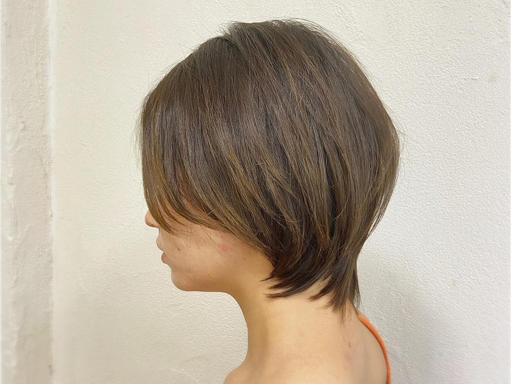 伸ばしかけのショートボブでもキレイにまとまるヘアスタイル