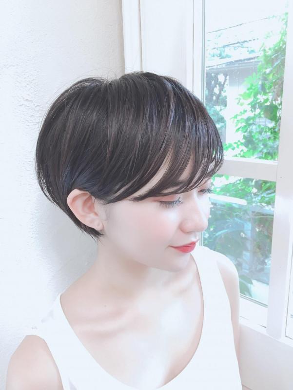 【ショートヘア×前髪あり】大人かわいいヘアスタイル