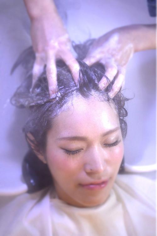 プチ贅沢25分★ 炭酸クイックスパ健やかな地肌で美しい髪への第 一歩