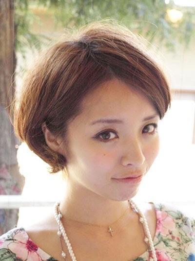 前髪長めのショートボブ(ショートヘア×長め)