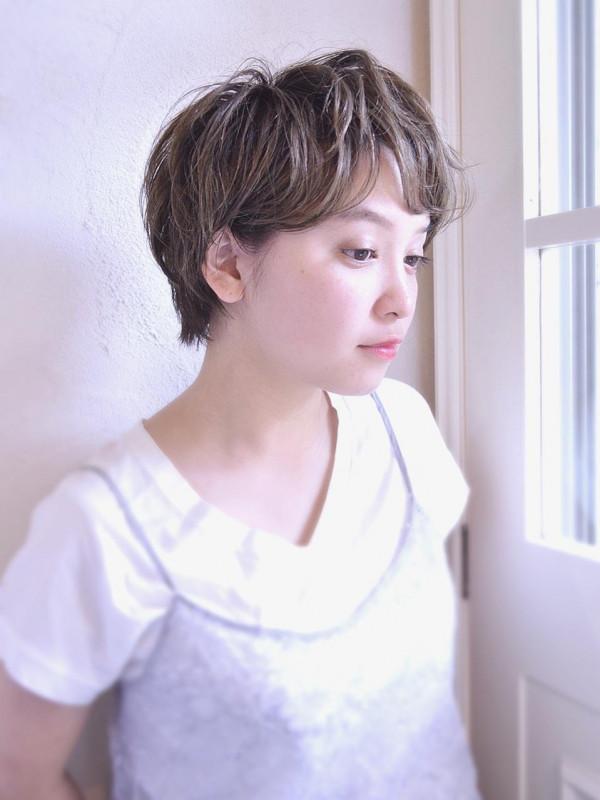 【くせ毛×ショートヘア】40代におすすめの髪型
